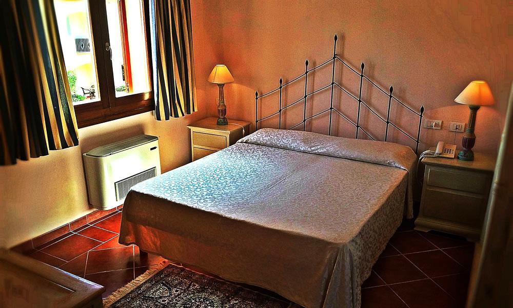 hotel-monti-di-mola-porto-cervo-costa-sardegna-camera-standard