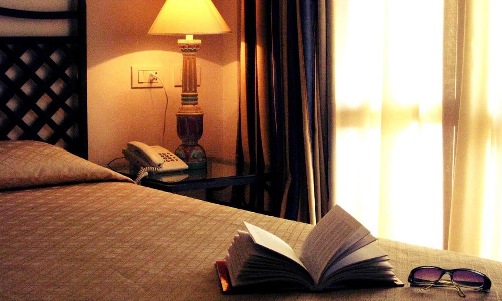 hotel-monti-di-mola-porto-cervo-costa-sardegna-camera-superior