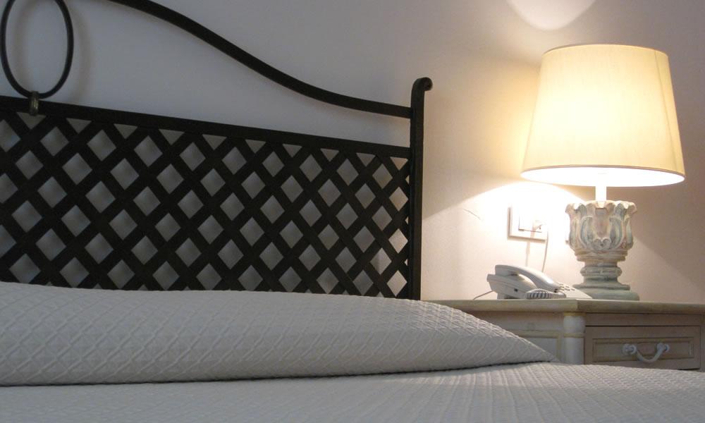 hotel-monti-di-mola-porto-cervo-costa-sardegna-suite-ponente2